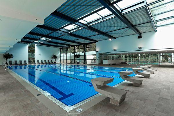 Schwimmbad Koln